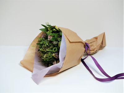 Blomsterindpakning og tilbehør