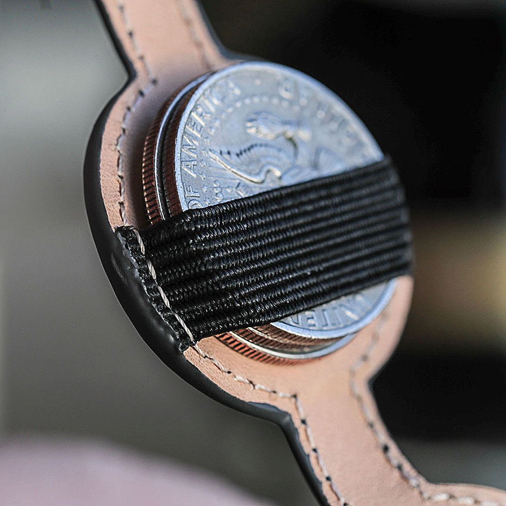 QUIVER COIN HOLDER
