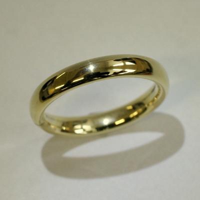 BENNETT HIMBER RING - golden wedding ring