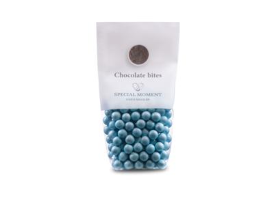 Drageret lys chokolade lyseblå 130 gr - Bestillingsvare