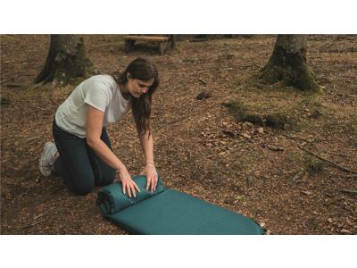 Easy Camp Lite Mat Single 5 cm - Selvoppusteligt liggeunderlag - Grøn