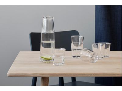 Stelton Glaskunst på spisebordet