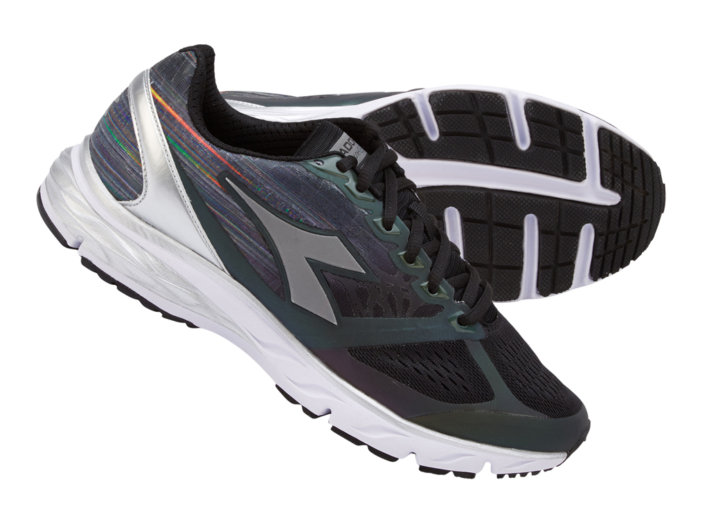 Image of   Diadora - Mythos Blushield Hip - Dame - Sort/grå
