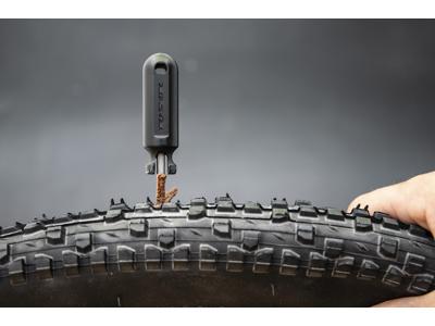 Ryder Slug Plug kit - Lappegrej til tubeless dæk - Værktøj inkl. 10 lappestrips