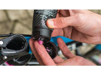 Muc-Off Carbon Gripper - Granuleret fedt til montering carbondele - 75 gram